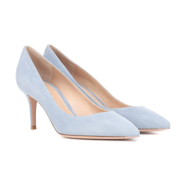 Gianvito Rossi gianvito 70 suede pumps in blue - Gianvito Rossi revamps their most timeless silhouette,...