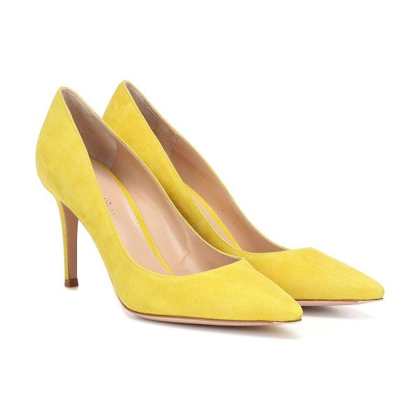 Gianvito Rossi gianvito 85 suede pumps in yellow - Gianvito Rossi's classic pumps have been expertly...