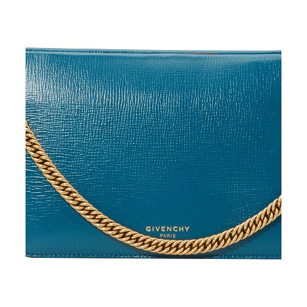 Givenchy Cross-body bag - This cross-body bag symbolizes the creative vision of...