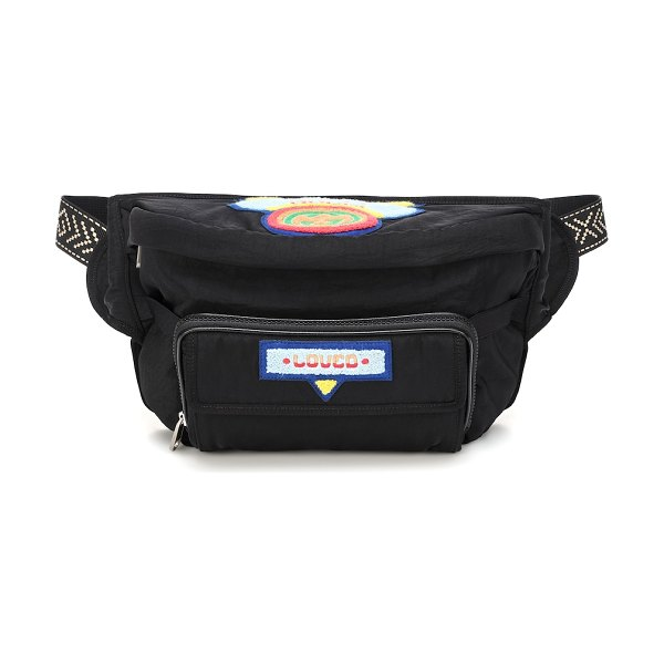 Gucci Embroidered belt bag in black - This black belt bag is decorated with vintage-inspired...