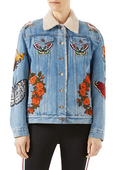 GUCCI Embroidered Denim Jacket with Shearling Fur Lining - Light blue denim  with tiger embroidery.