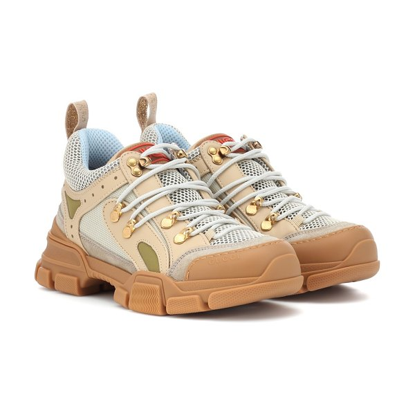 Gucci flashtrek sneakers in beige