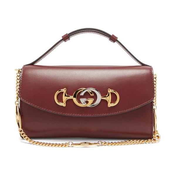 Gucci zumi mini logo plaque leather cross body bag in burgundy