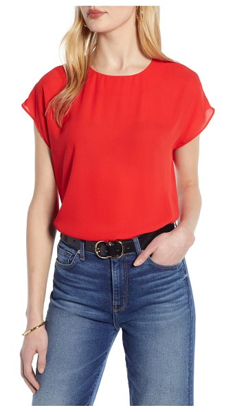 Halogen halogen cap sleeve woven blouse in red chinoise - This lithe little blouse with a drapey straight-cut...