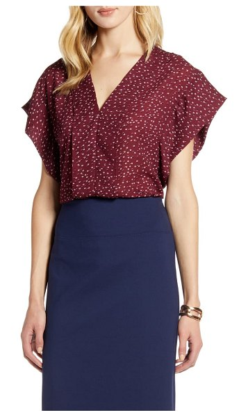 Halogen halogen flutter sleeve top in burgundy floral dot