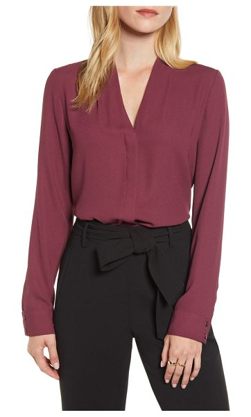 Halogen halogen v-neck top in burgundy fig