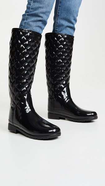 Hunter refined quilted tall gloss boots in black