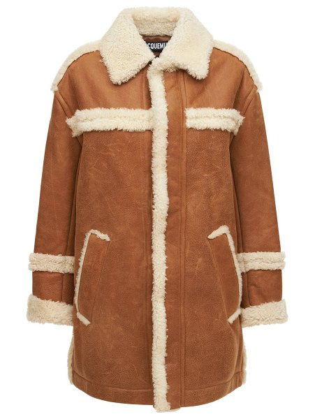 JACQUEMUS Le manteau paioù shearling leather coat in white,camel