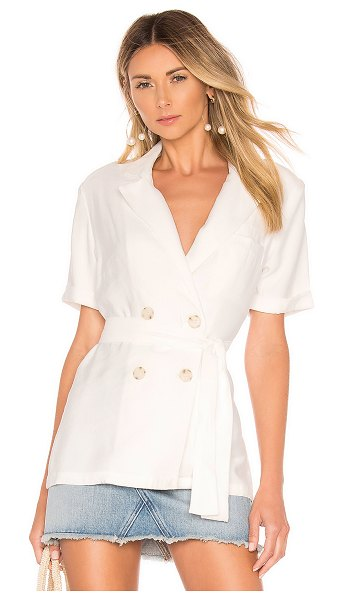 L'Academie misha short sleeve blazer in white