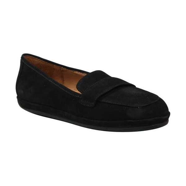 L'Amour des Pieds yasmeen driving loafer in black nubuck