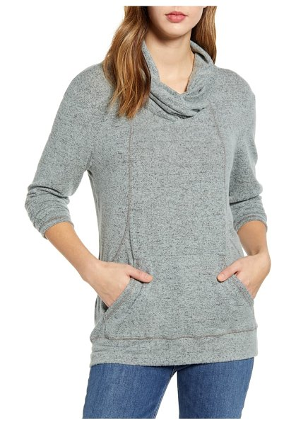 LOVEAPPELLA cross neck seamed pullover in mint