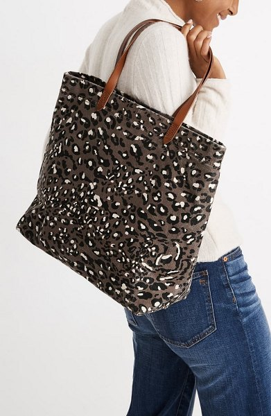 Madewell the canvas transport tote: print edition in vintage parchment multi