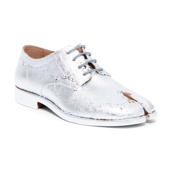 Maison Margiela metallic leather lace-up oxfords in silver