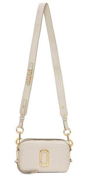 Marc Jacobs grey the softshot 21 bag in 106 cream