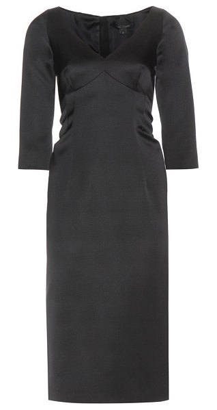 Marc Jacobs Satin dress in black - Marc Jacobs' black satin dress is the ultimate balance...