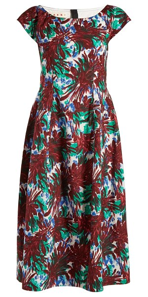 Marni Boat-neck leaf-print midi dress in burgundy print - Florals are graphic and modern in the hands of Marni as...