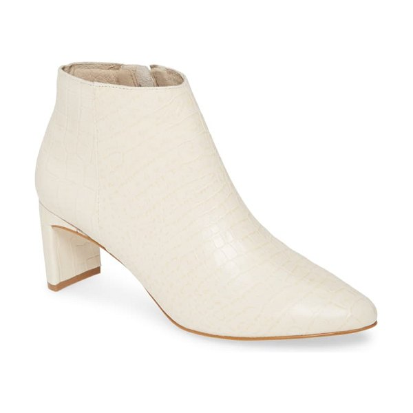 Matisse crush bootie in white leather