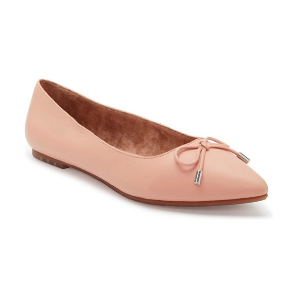 Me Too alisia pointy toe flat in light nude leather