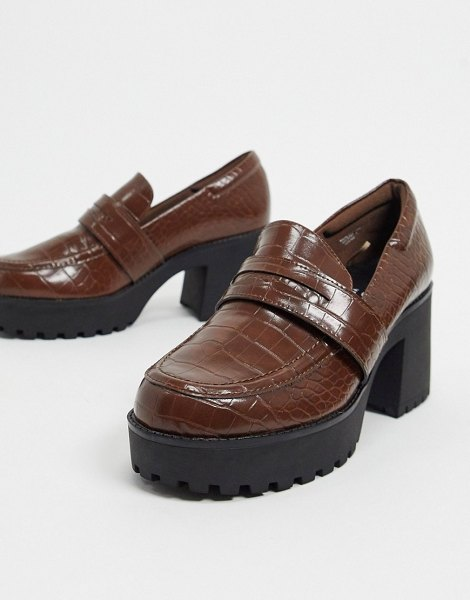 Monki devon faux leather heeled chunky loafer in brown croc in brown