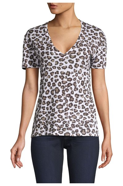 MONROW Leopard V-Neck Tee in natural