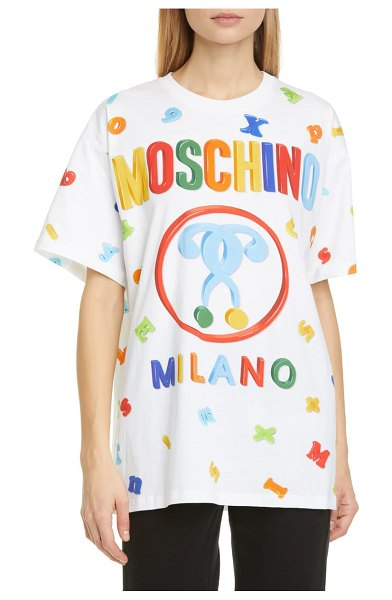 Moschino letter print oversized graphic tee in 1001 white