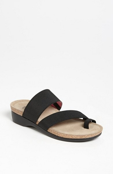 Munro 'aries' sandal in black