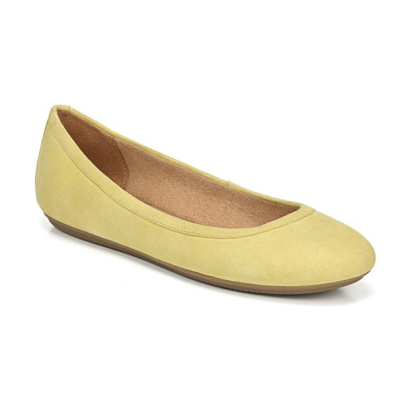 Naturalizer brittany flat in yellow - A signature cushioned footbed furthers the everyday...