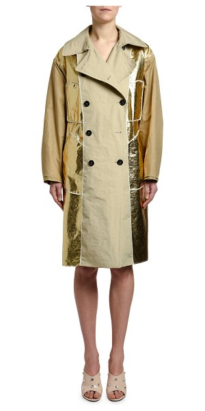 No. 21 Belted Metallic Trench Coat in beige