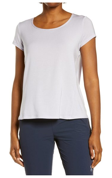 On active-t breathe split back t-shirt in lilac