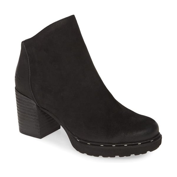 OTBT montana bootie in black leather