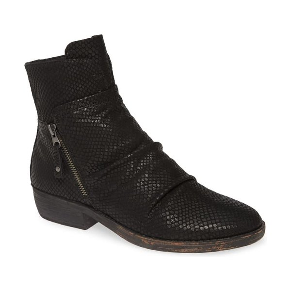 OTBT yokel bootie in black leather