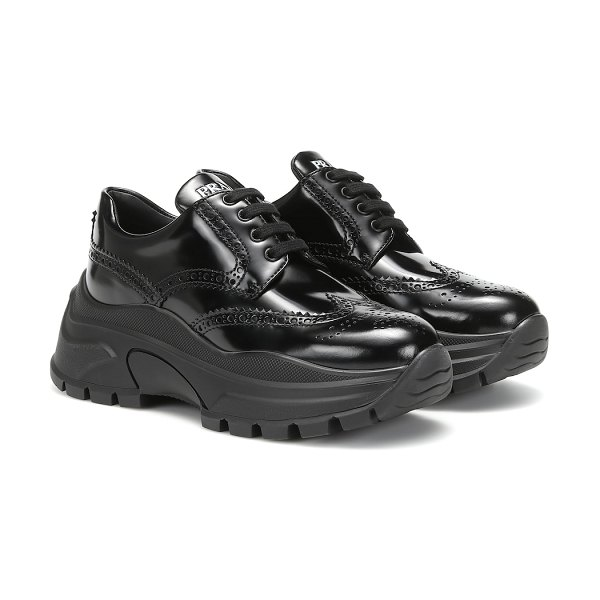 Prada leather sneakers in black