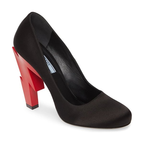 Prada lightning bolt heel pump in black/ red
