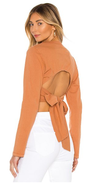 Privacy Please riley tee in sunset tan