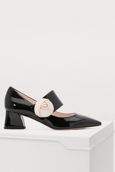 Roger Vivier Pumps with button loop in nero rosa - Since 1937, Roger Vivier has exalted the femininity of...