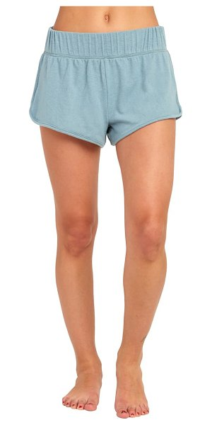 RVCA afternoon shorts in lead