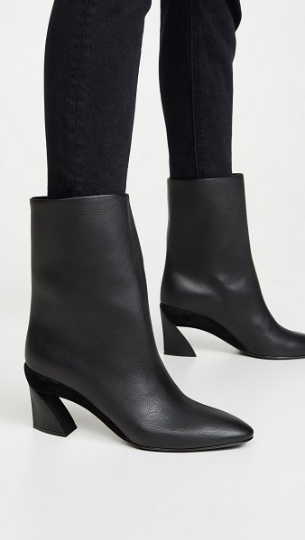 Salvatore Ferragamo amatea 70mm short boots in nero