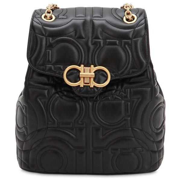 Salvatore Ferragamo Quilted leather backpack in black - Height: 28.5cm Width: 25.5cm Depth: 12.5cm . Front flap...