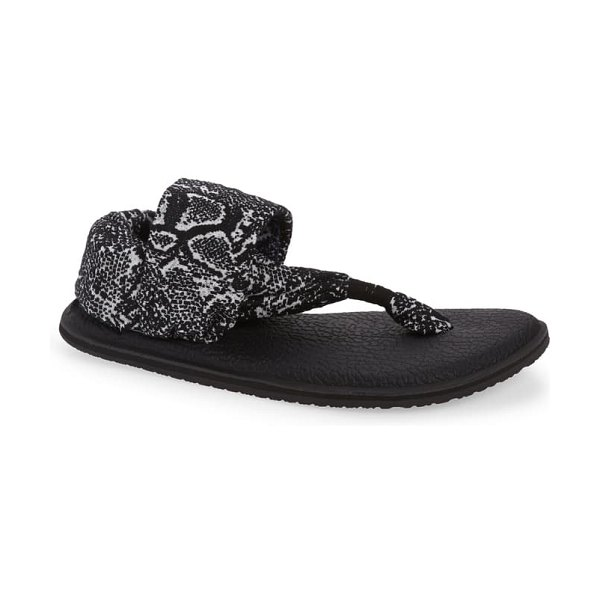 Sanuk yoga sling 2 thong sandal in black / white