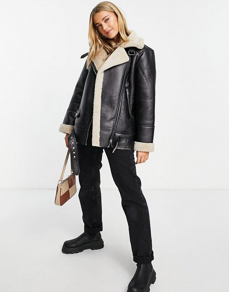 Stradivarius faux leather aviator jacket with contrast shearling in black in black