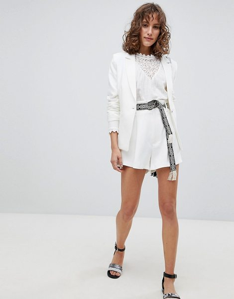 SUNCOO Tailored Shorts with Tapestry Belt in blanccasse - Shorts by Suncoo, Not for the clumsy ones, High rise,...