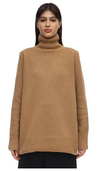 THE ROW Sadel cashmere knit sweater in camel