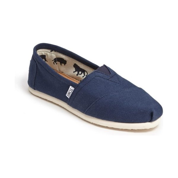 TOMS classic canvas slip-on in navy canvas