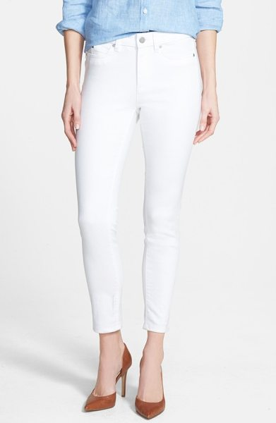 Vince Camuto skinny jeans in ultra white