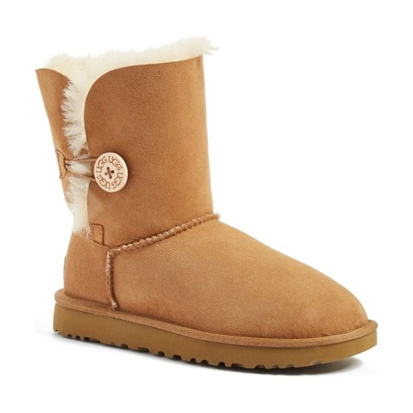 UGG ugg bailey button ii boot in chestnut suede