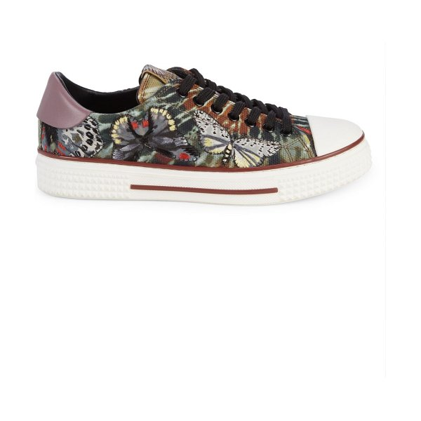 Valentino Butterfly Low-Top Sneakers in al campion