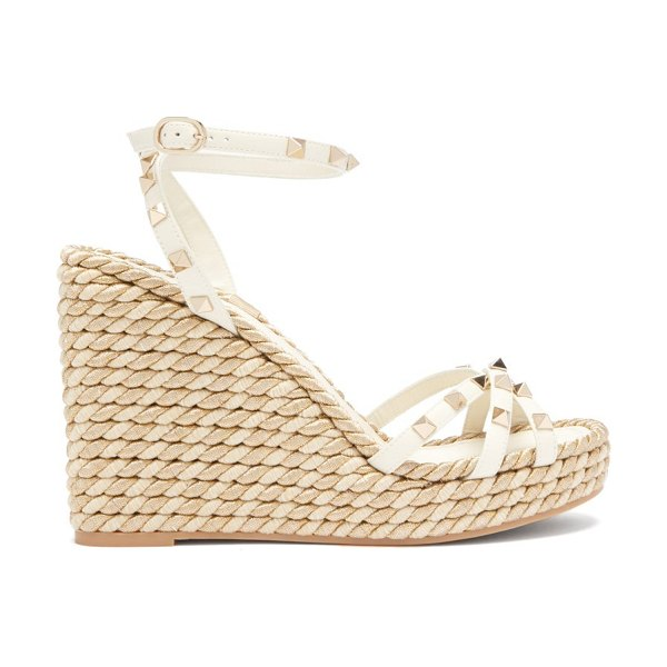 Valentino torchon rockstud leather wedge sandals in gold