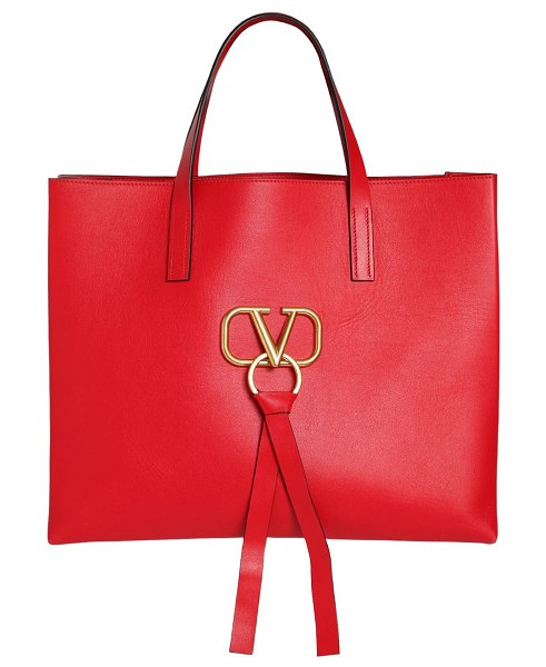 Valentino V ring e/w leather tote bag in red - Height: 41cm Width: 47cm Depth: 16cm. Double leather top...