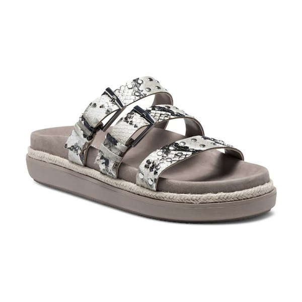 Vince Camuto ciandra slide sandal in taupe/ crepe