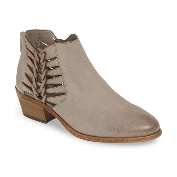 Vince Camuto prestetta bootie in elephant leather